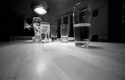 (1) fuenfinga, fünf Gläser