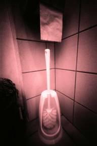 (5) fuenfinga, Toilettenbürste