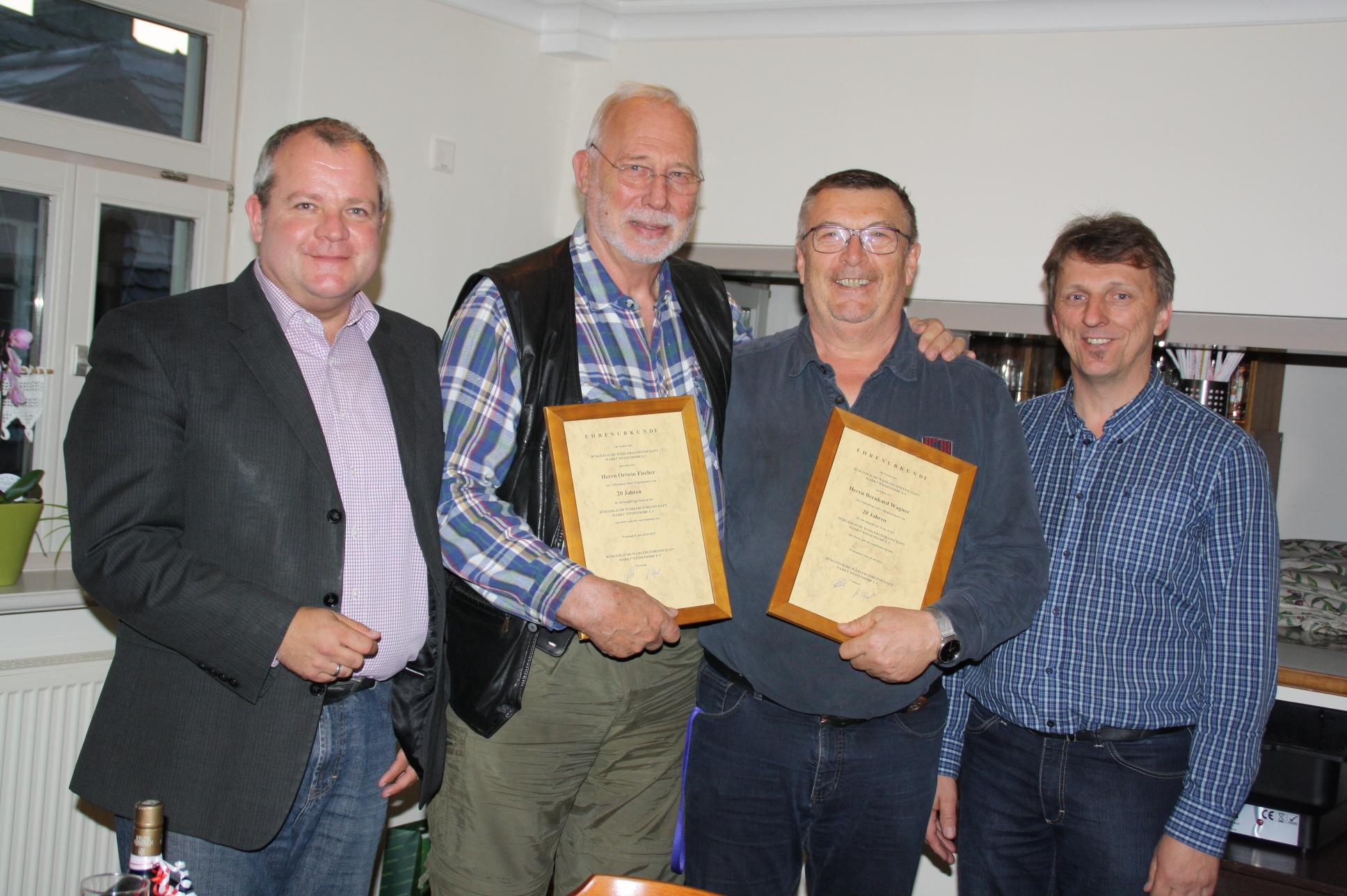 Die Bürgerliche Wählergemeinschaft Weisendorf ehrte für 20 Jahre Mitgliedschaft Ortwin Fischer und Bernhard Wagner, flankiert vom 1. Vorsitzenden Thomas Rudel und 2. Vorsitzenden Günther Vogel (von links).