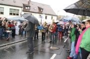 An der Tradition wird nicht gerüttelt. Der Evangelische Posaunenchor gab nach dem Erntedankgottesdienst auf dem Marktplatz wie immer ein Standkonzert.